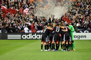 DC-United-in-huddle-for-site-300x198